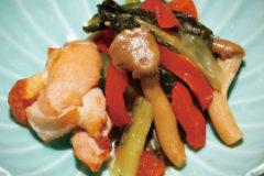 色鮮やかな 「小松菜と鶏肉の塩だれ」